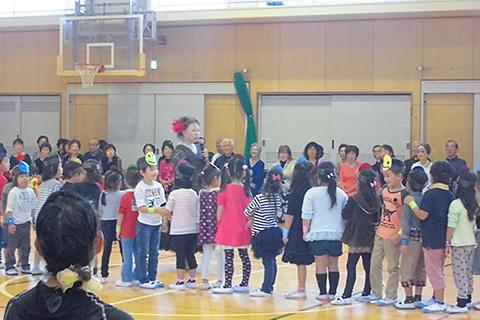 【年長児ダンス】地域交流・スポーツ振興を目的としてダンスに親しみダンスフェスティバルに参加します。